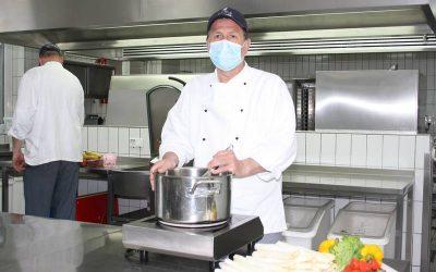Lungenklinik-Küche sorgt für leibliches Wohl in Corona-Zeiten